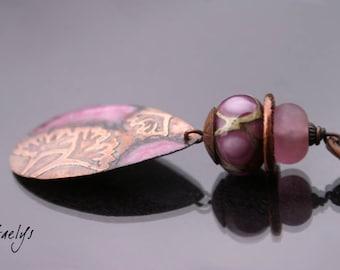 Ginkgo - lampwork pendant, copper plate etching, silk ribbon - Gaelys
