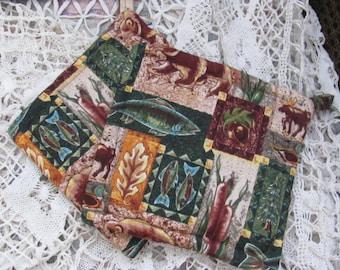 Pair  Potholders  Animal  Fabric  2 Cotton Cabin  Pot Holders / Trivets