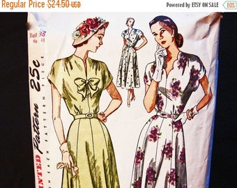 on SALE 25% Off 1940s Dress Pattern Bust 38 Simplicity Day or Evening, Cap Sleeve, Scalloped Neckine, Womens Vintage Pattern Sewing 40s