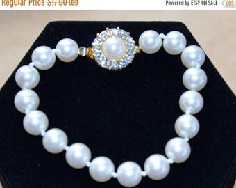 On sale Glass Faux Pearl, Rhinestone Bracelet, 8mm, Vintage, Gold tone (V4)