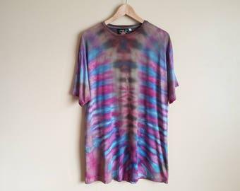 LARGE  Purple, Blue & Black Tie Dye T-shirt. Unisex Size Large skeletal mirrored abstract dye pattern. Stripes. Bamboo Jersey Oversized.