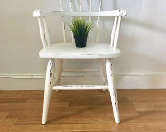 Vintage antique wood chair sprindle back windsor style painted and distressed bent wood solid wood chair