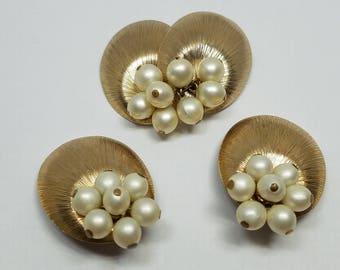 Elegant Napier Vintage Pin Earrings Faux Pearls