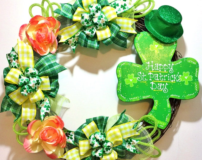 FREE SHIPPING St. Patricks Day 4 Leaf Clover - Welcome Door Grapevine Wreath