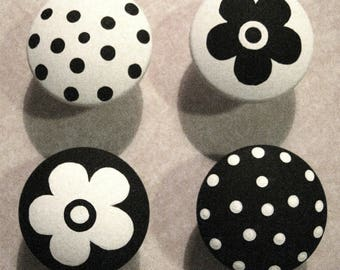 8 - BLACK & WHITE - Polka Dots and Flowers - Drawer Knobs