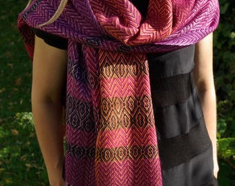 Shawl woven and dyed silk / mink / cashmere