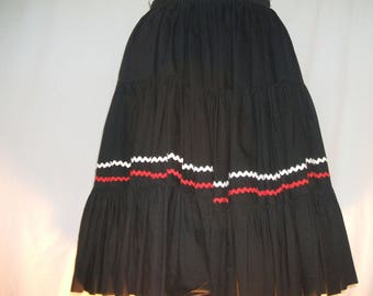 Rick Rack Full Circle Skirt Black With White And Red Zig Zag Trim