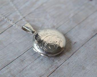 Circle Sterling Silver Vintage Locket, Sterling Chain 925