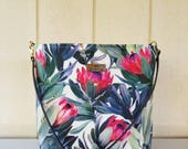 Hawaii Protea Shoulder Bag with Leather Strap - 8 pockets