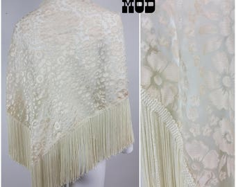 Lovely Flower Power Vintage 50s 60s 70s Floral White-ish Shawl Wrap with Fringe by Therese Ahrens