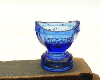 intage Wyeth 8 Panels Cobalt Blue Glass Eyewash Eye Wash Cup Optical No.12