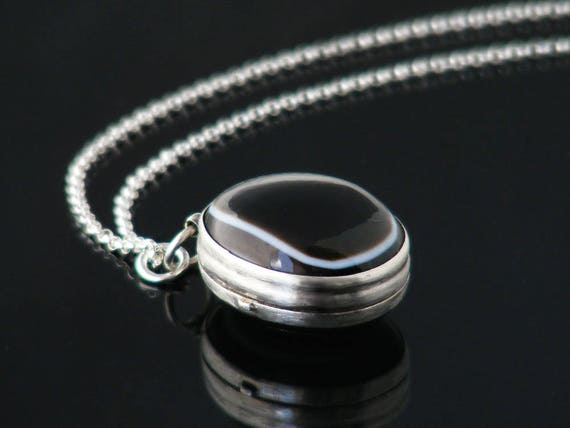 Bullseye Agate Victorian Locket, Antique Locket | Sterling Silver & Banded Agate Reversible Oval Locket Necklace - 22 Inch 925 Silver Chain
