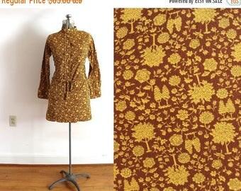 ON SALE 70s Mini Dress / 1970s Autumn Fall Tree Botanical Novelty Print Brown Mini Dress