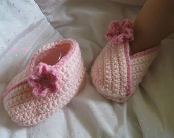 CR65 Crochet Pattern - Baby Wrapover Slippers/Booties/Shoes - Birth to 6 months PDF Kimno style