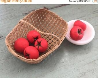 SALE Miniature Tomatoes,  Dollhouse Miniature 1:12 Scale, Set of 6 Pieces, Dollhouse Food, Miniature Food, Mini Food