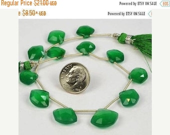 ON SALE Green Onyx Beads Faceted Briolettes Pentagon Shaped Beads Five-Sided Briolettes Earth Mined Gemstone -  9x11 to 11x14mm