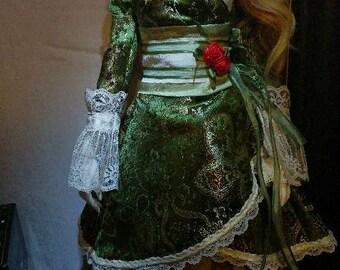 Bjd SD Green Brocade Waloli Coat
