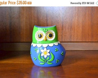 CIJ SALE 25% OFF vintage 1968 Pride owl bank / retro home decor / vintage owl figurine