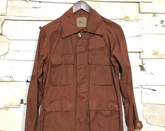 Vintage Army Issue Dyed Dessert Camo 100% Cotton Warm Weather Button Up Jacket Made in USA - Red-Brown