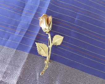 Rose Brooch - Beautiful gold tone rose brooch excellent condition