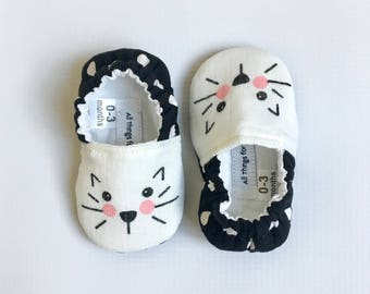 Baby Girl Kitty Cat Face Shoes // black and white crib shoes slip on elastic back booties polka do