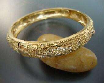 Vintage Excellent Women Cocktail Bangle Bracelet Brass Gold Plated Engraved (YT120)