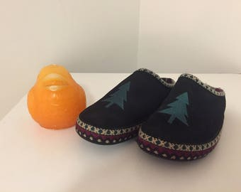 Vintage Clogs Black Felt Clogs, Felted Clogs with Christmas Tree, Size 6 by Anywear Shoe Company Vintage Slippers at Modern Logic
