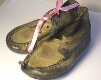 An Antique Pair of Soft Baby Shoes A1