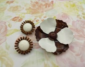 Seventies Umber and White large enamel flower brooch and clip earrings