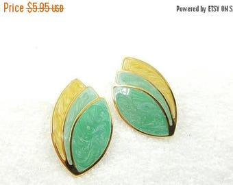 Avon Paradise Colors Pierced Earrings 1987 Green Yellow leafy