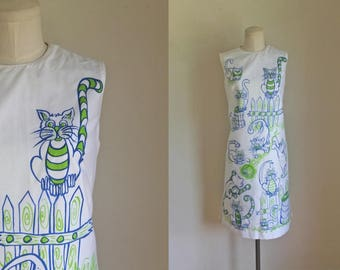 vintage 1960s novelty dress - CRAZY CATS cat print shift dress / M