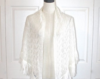 50% OFF SALE 1960s White LACE Knit Shawl Cape. Vintage 60s Grannie Acrylic Crocheted BoHo HiPPie Wrap . Fringe . Small Medium