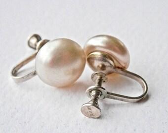 Retro Pearl Earrings Pearl Screwback Earrings Vintage Pearls Simulated Pearls Sterling Silver Bridal Jewelry Vintage Jewelry 1950s