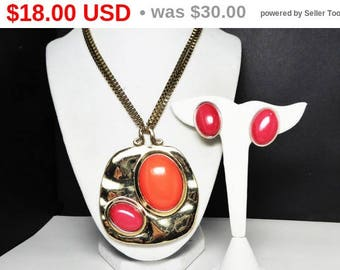 Summer Sizzler Sale Retro Chunky Necklace Pendant & Earrings Set - Coral Orange Oval Cabochons - Goldtone Box Chain - Signed Chico's - Vi...