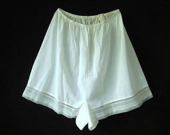 Vintage Nylon Tap Pants /Panties/Boy Cut with Lace & Price Tag Size 10