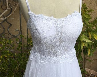 25% OFF SALE A vintage 1980s sheer lace spaghetti straps tiered tull wedding formal cocktail dress size Xs S