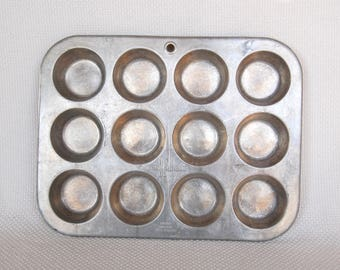 Vintage MUFFINAIRE Full Size Muffin Tin UAP Aluminum Muffin Pan or Cupcake Pan for One Dozen Total Muffins or Cupcakes