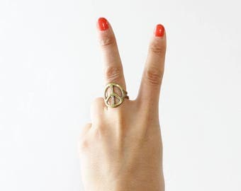 Peace Sign Ring • Vintage Ring • Hammered Brass Ring • Peace Ring • Hippie Ring • Boho Ring • Vintage Brass Ring • Statement Ring  | R252