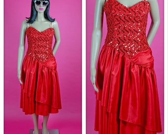 Vintage 1980s Red Sequins Sweetheart Party Prom Dress