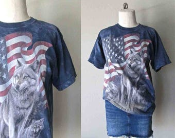 Vintage 90's tie dyed shirt PATRIOTIC WOLF PACK American flag t-shirt - M
