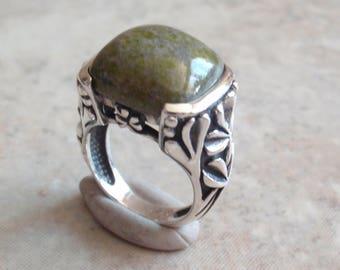 Connemara Marble Ring Sterling Silver Clover Irish Hallmarks Size 5 Vintage CW0202