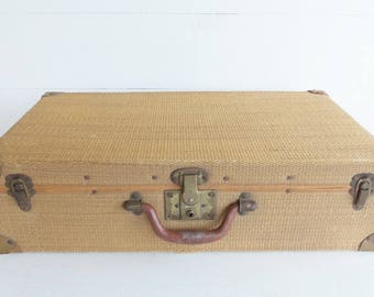 Vintage Wicker Suitcase, French Wicker Storage Basket, Picnic  Basket, Farmhouse Storage