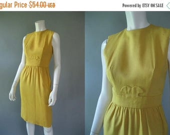 ON SALE 1960s Sheath Dress - 60s Gold Vintage Linen Dress By Lanz  Original S