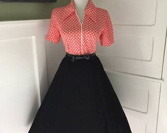 VINTAGE 1950s 1960s Black  Accordion Style Pleated Full Skirt