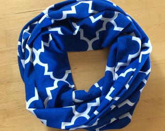 jersey knit infinity scarf - royal blue and white quatrefoil