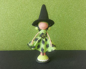 Halloween Witch Miniature Wooden Clothespin Doll- Tan Caucasian