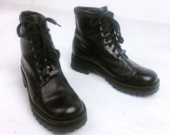 90'S DKNY Grunge Leather Lace Up Combat Boots / 9