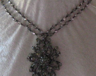 Lovely Crystal and Rhinestone Necklace