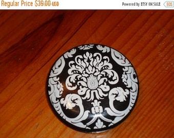 CELLULOID DOUBLE MIRROR Black & White Damask Vintage Mirror Compact - Treasury Item