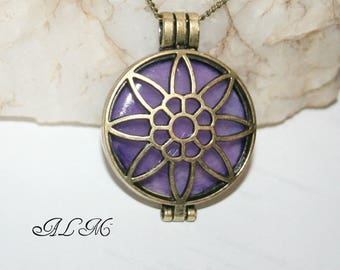 Pendant for photo - purple background (vi25 + blue)